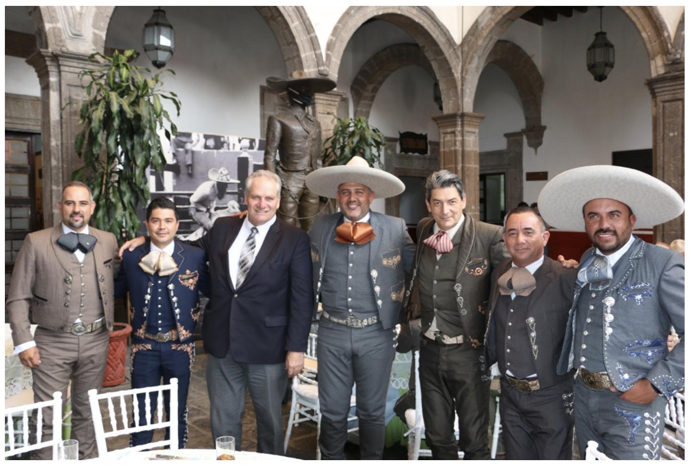 El Secretario de Turismo de Aguascalientes, Marco Aurelio Hernández, mano a mano con la Charrería Nacional