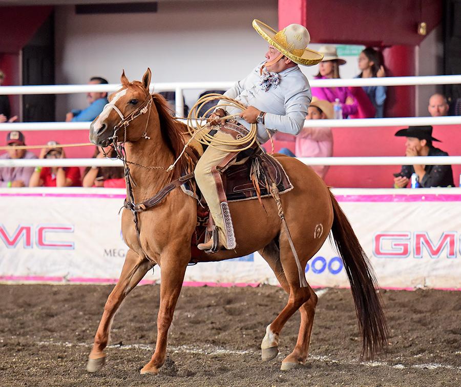 Dos manganas a caballo acertó Humberto Treviño por los Tamaulipecos de Reynosa
