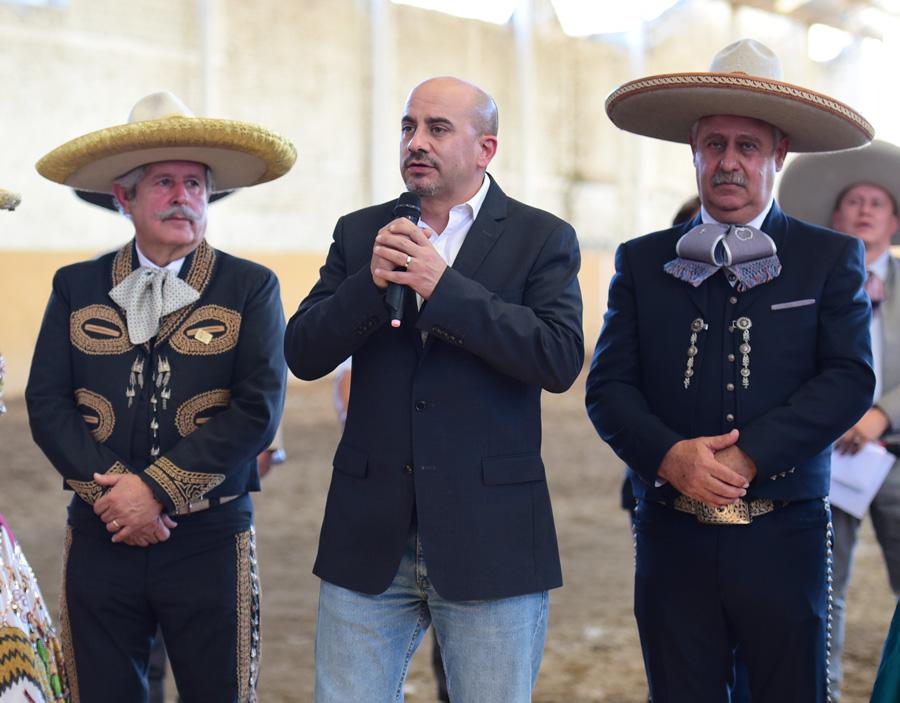 El alcalde Ismael del Toro se encargó de inaugurar oficialmente este Torneo de Aniversario