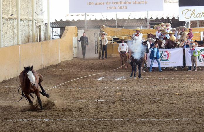 Juan Pablo Franco Barba chorreó dos pialazos de 21 tantos cada uno, por cuenta de los Charros de La Laguna