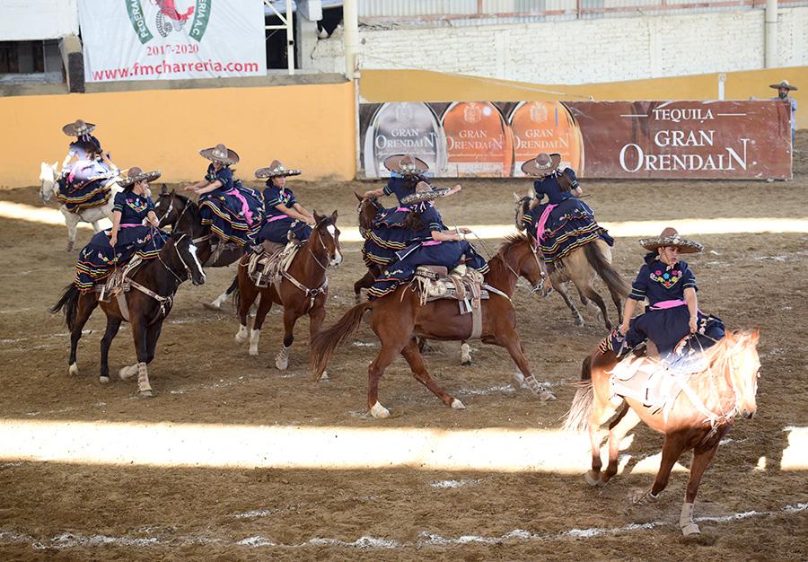 Rancho El Centenario fue la única escaramuza que participó en esta jornada de viernes