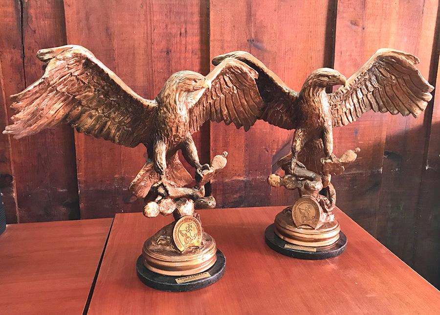 Estos son los trofeos que recibirán los campeones de cada rama, varonil y femenil, después de las finales de este domingo en Guadalajara