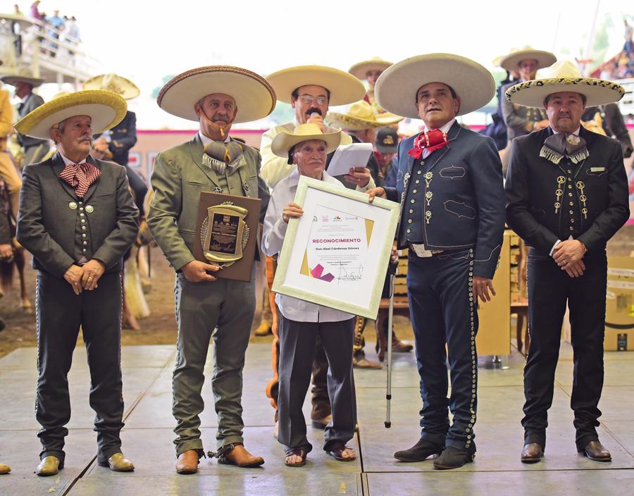 El Gobierno del Estado y la Federación reconocieron la trayectoria ecuestre del señor Abel Cárdenas