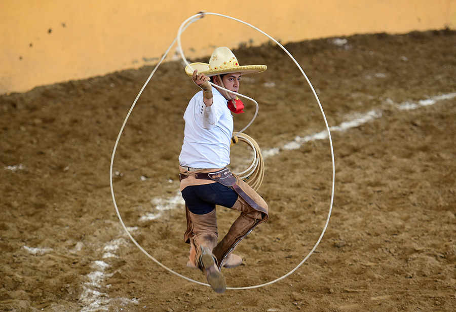 Enrique Jiménez acertó tres manganas a pie para los Charros de Cuauhtémoc