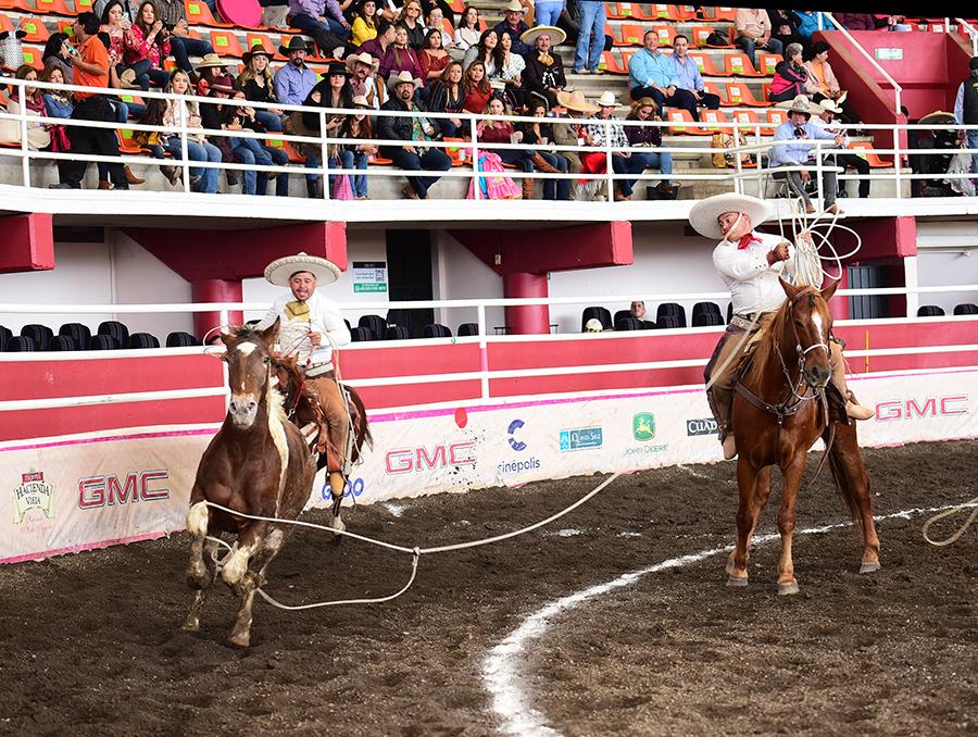 Sergio Quiñónez fue el mejor elemento de Rancho La Flecha con dos manganas a caballo