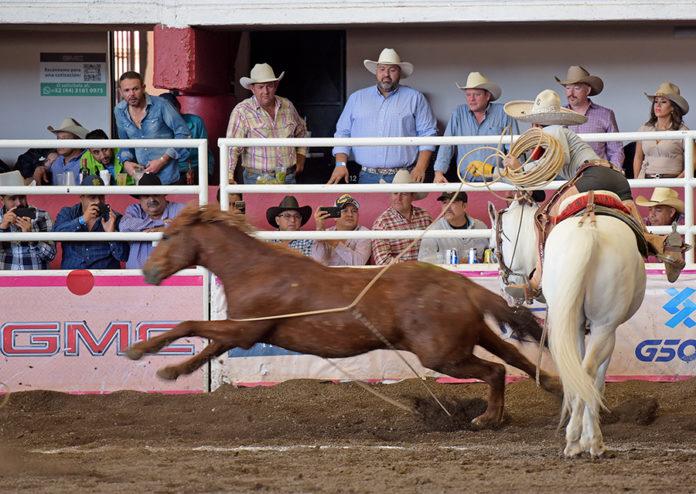 Tres magníficas manganas a caballo acertó José Andrés Aceves Aceves para Rancho Las Cuatas