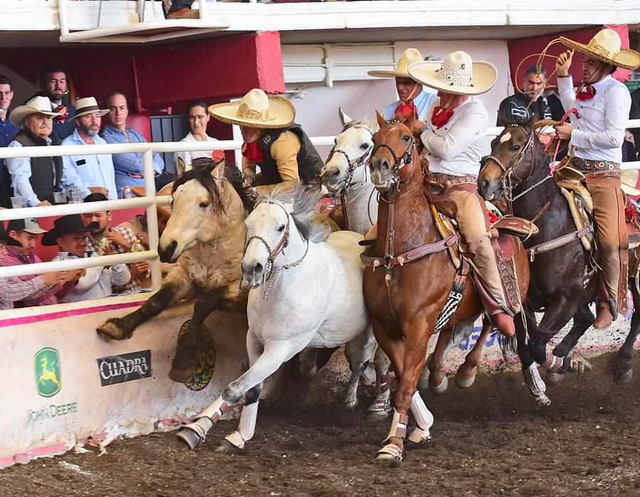 José Andrés Aceves jugándose el tipo en el paso de la muerte para asegurar la victoria