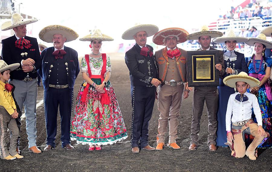 Fue reconocida la labor de la asociación de Charros de Morelia, una de las más longevas del deporte nacional