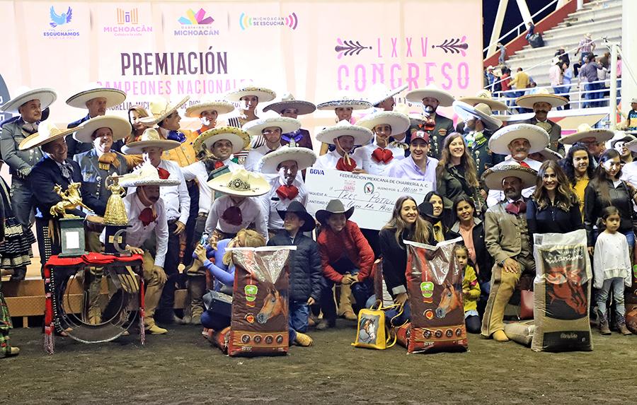 Premiación a Tres Potrillos, tercer lugar nacional