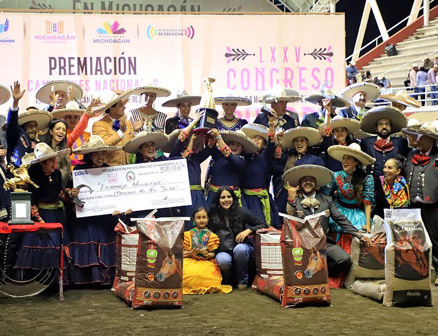 Mexiquense, campeona nacional de las escaramuzas