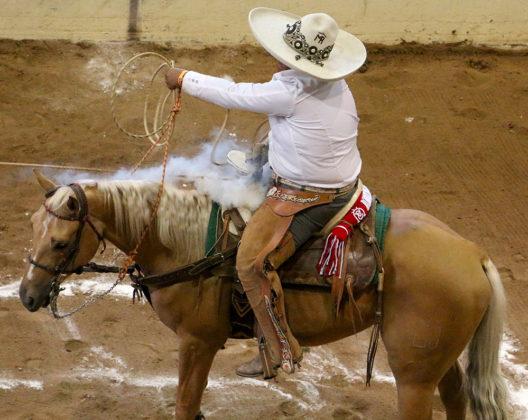 Roberto Flores Alarcón cuajó un pial en el lienzo de 21 tantos para Rancho El Venidero de California