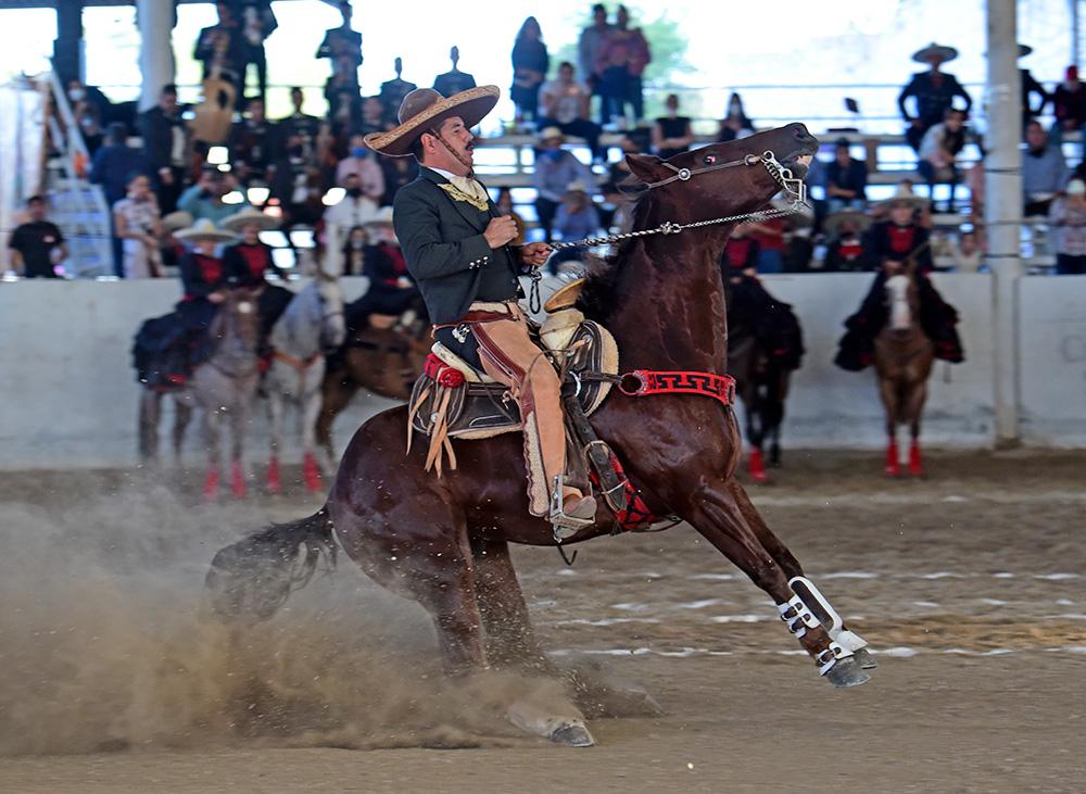 Ángel Francisco Terrazas Moreno, PUA de Baja California, ejecutando la punta por Guadalupana de Tijuana