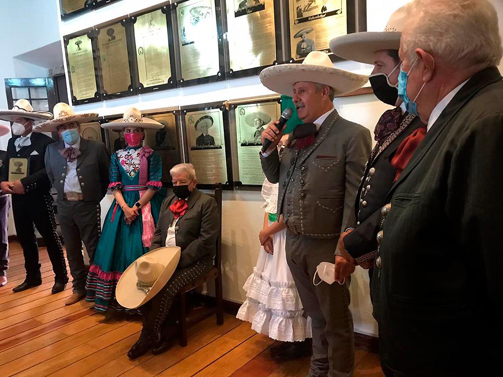 De plácemes estuvo el Palacio de la Charrería con la ceremonia de ingreso de Don Jesús Muñoz Ledo al Salón de la Fama