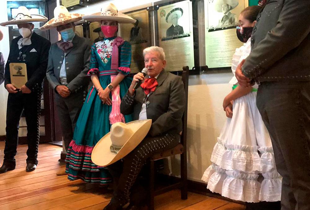 Con una lucidez admirable, Don Jesús Muñoz Ledo Cabrera agradeció al Supremo Caporal y a la Santísima Virgen permitirle ser protagonista de tan importante evento