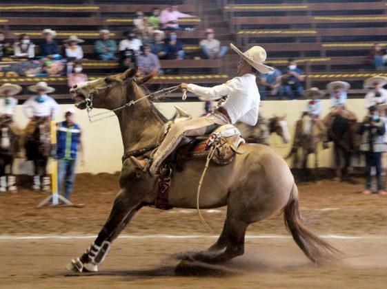 """Salvador Sánchez Rubio presentó la cala de caballo por los Charritos de California, en la eliminatoria de equipos infantiles """"B"""""""