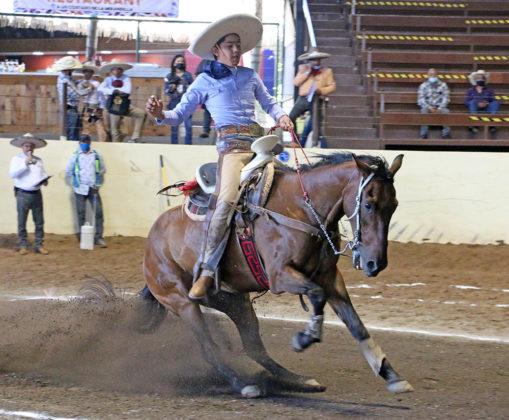 """Jesús Alejandro Marcial Loera presentó la cala de caballo para 25 unidades en la última eliminatoria de charros completos infantiles """"B"""""""