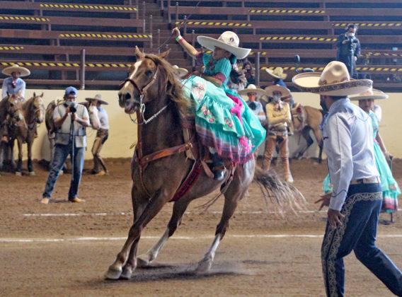 Coronelas de San Blas de Aguascalientes toman la delantera en la final de las escaramuzas Dientes de Leche