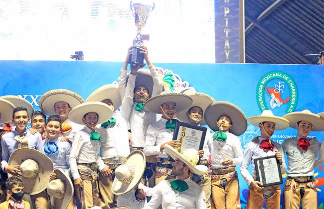 """Premiación a los tres primeros lugares equipos categoría Infantil """"B"""""""