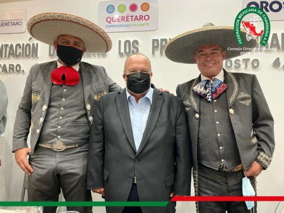 El presidente de la Federación, José Antonio Salcedo López, y el PUA de Querétaro, José Luis Maldonado Álvarez, junto al Secretario de Turismo del Estado de Querétaro, Hugo Burgos García