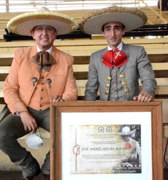 Salvador Barajas, PUA de Jalisco con el homenajeado, José Andrés Aceves