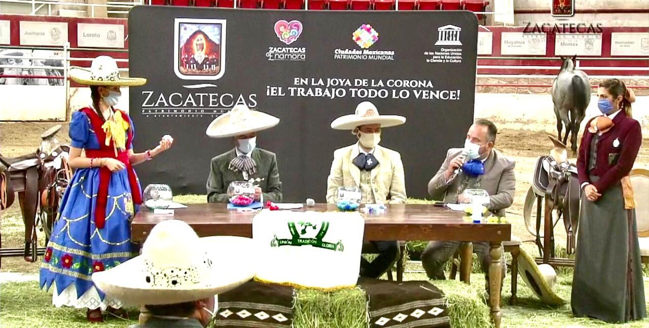 Importante fue la participación de la reina de la Unión y de la delegada estatal de escaramuzas en este evento