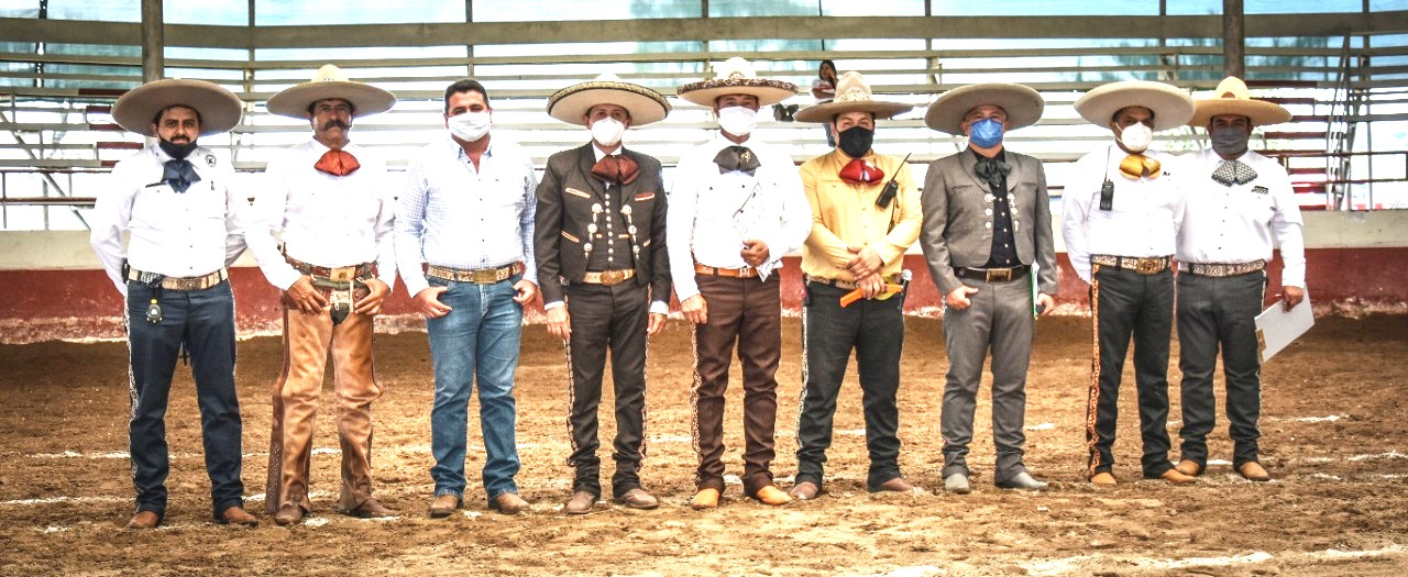 Jueces, locutor, personal de apoyo que participó en la zona Valles, en Pacana, Jal. acompañando al PUA Salvador Barajas y otros invitados