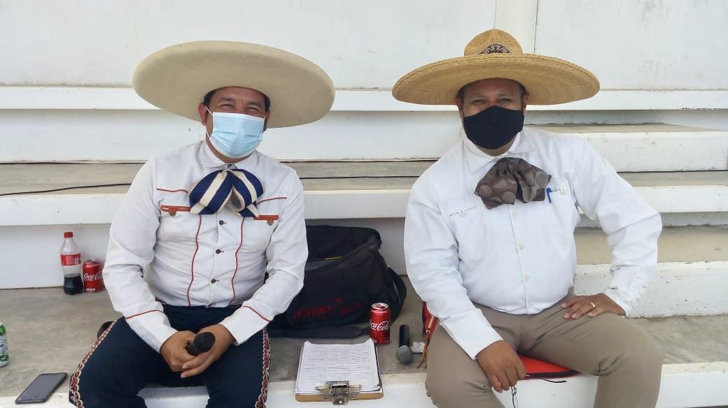 Locutores del Campeonato Estatal de Aguascalientes: José Refugio Macías y Jesús Antonio González