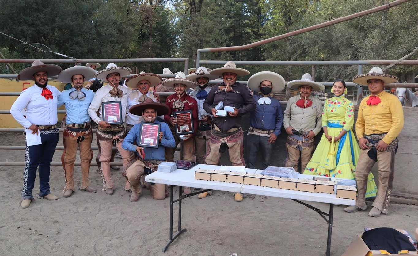 Subcampeones de Oregon 2020, charros de Rancho Camotlán, entre ellos don Alfredo Jiménez