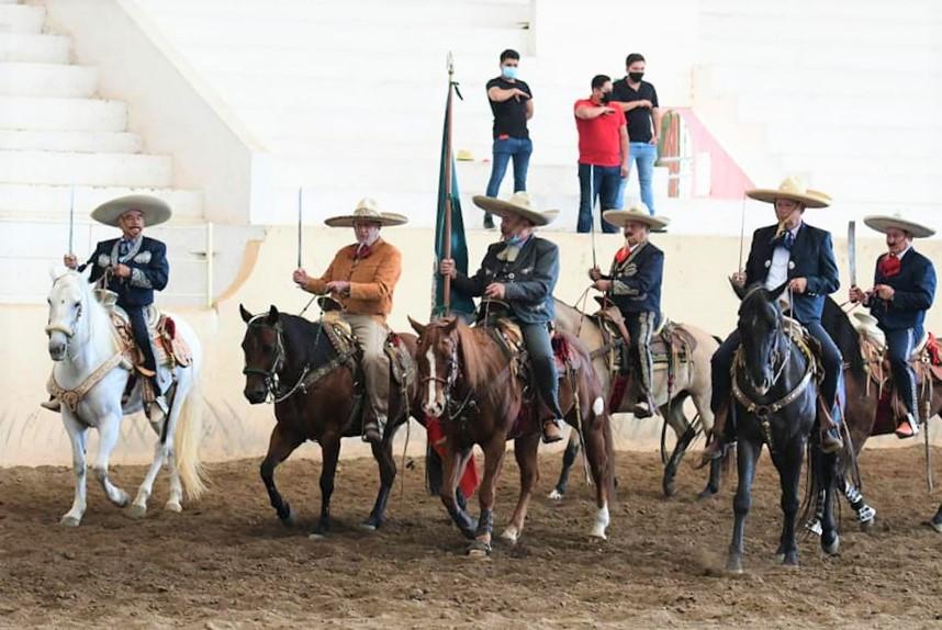 Honores al lábaro patrio, en la inauguración del LXI Campeonato Estatal Charro Guanajuato 2020