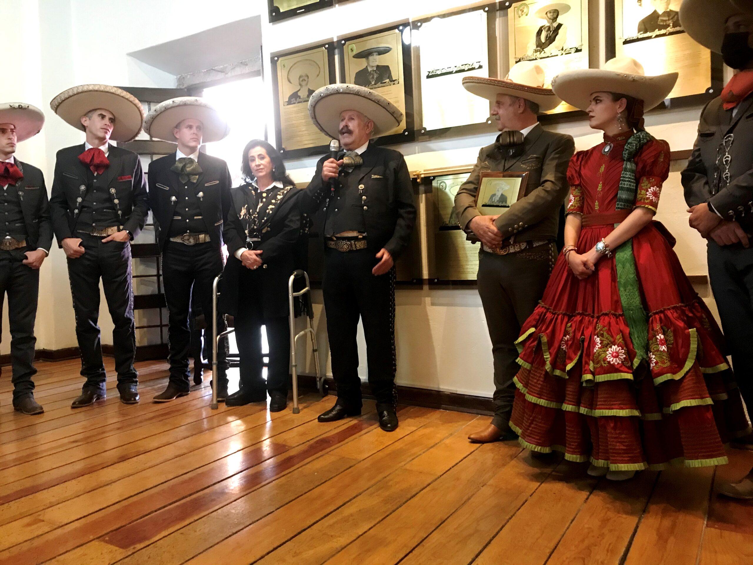 Don Salvador Sánchez Sánchez, al agradecer al consejo directivo nacional por la deferencia, al ser entronizado en el Salón de la Fama de la Federación