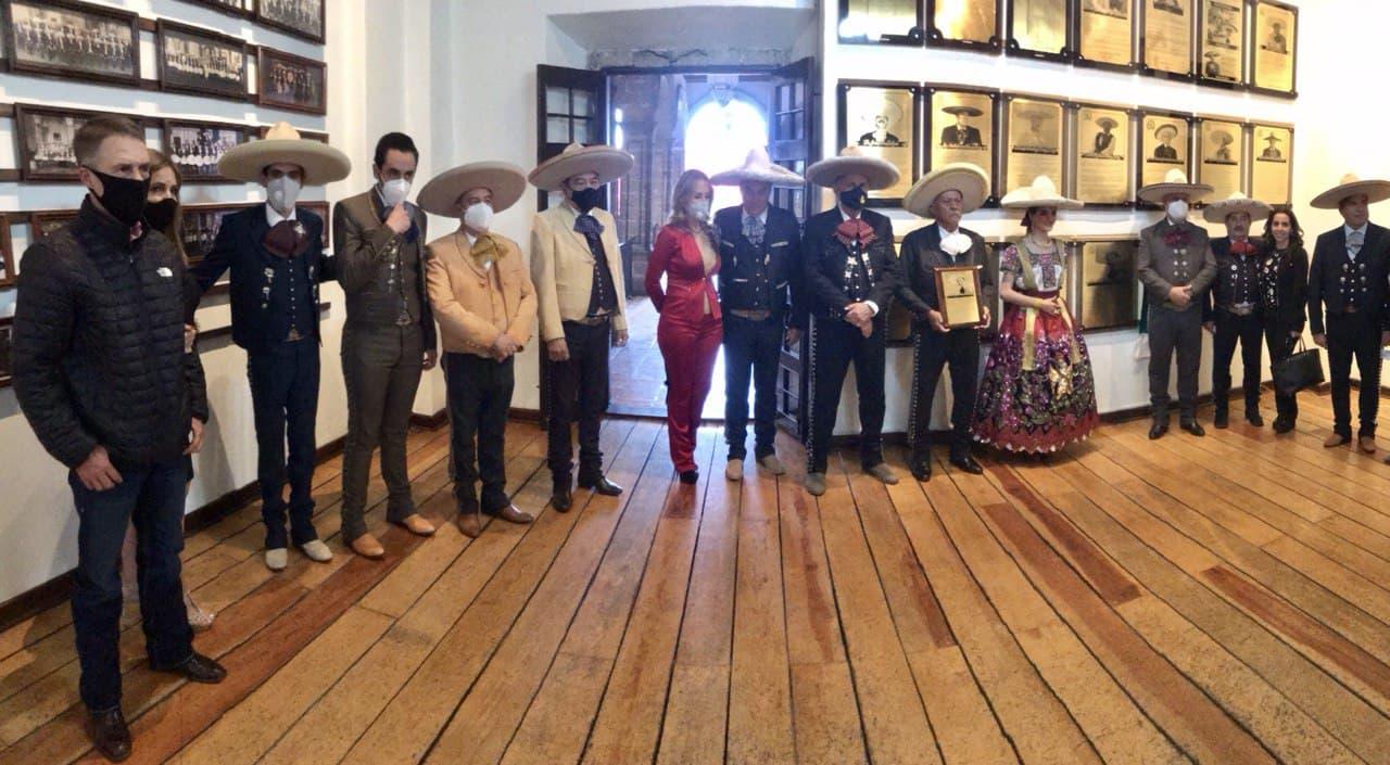 Don Raúl Flores Dávila fue el último de los nueve miembros que ingresaron al Salón de la Fama en esta administración