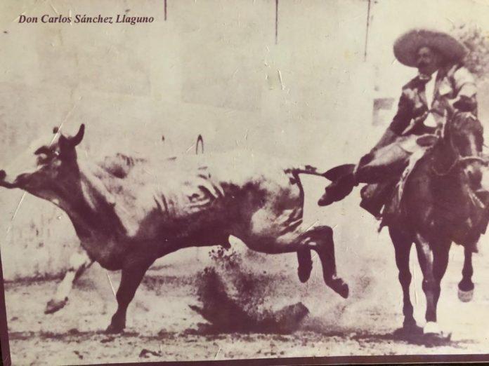 Don Carlos Sánchez Llaguno fue el primer charro en formar parte del Salón de la Fama de la Confederación Deportiva Mexicana (CODEME) en 1982
